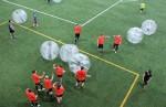 Le «soccer-bulle»,une nouveauté à Montréal, des tournois de «soccer bulle» ouvert au public montréalais.